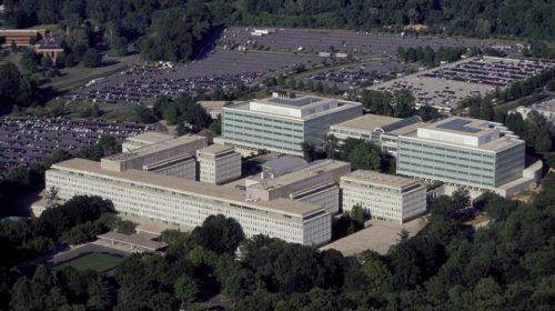 Microsoft bude i nadále poskytovat cloudové služby americkým zpravodajským agenturám