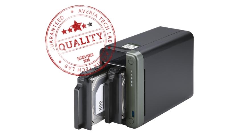 QNAP TS-253D NAS hodnoceni recenze razitko